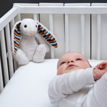 ZAZU Πλενόμενος βοηθός συντροφιάς για τον ύπνο των μωρών με ακουστικό αισθητήρα για το κλάμα