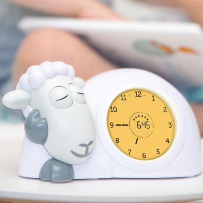 Ρολόι Sam παιδικό ξυπνητήρι ύπνου, φωτάκι νυκτός προβατάκι ZAZU για την εκμάθηση του πρωινού ξυπνήματος πολύχρωμο 6
