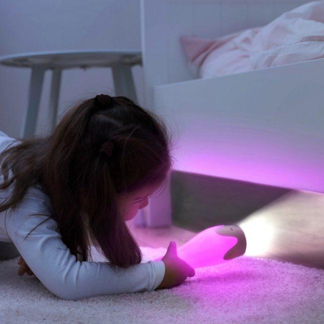 Gina η Καμηλοπάρδαλη φακός & φωτάκι νυκτός ΖΑΖU Πολύχρωμο εξυπνο