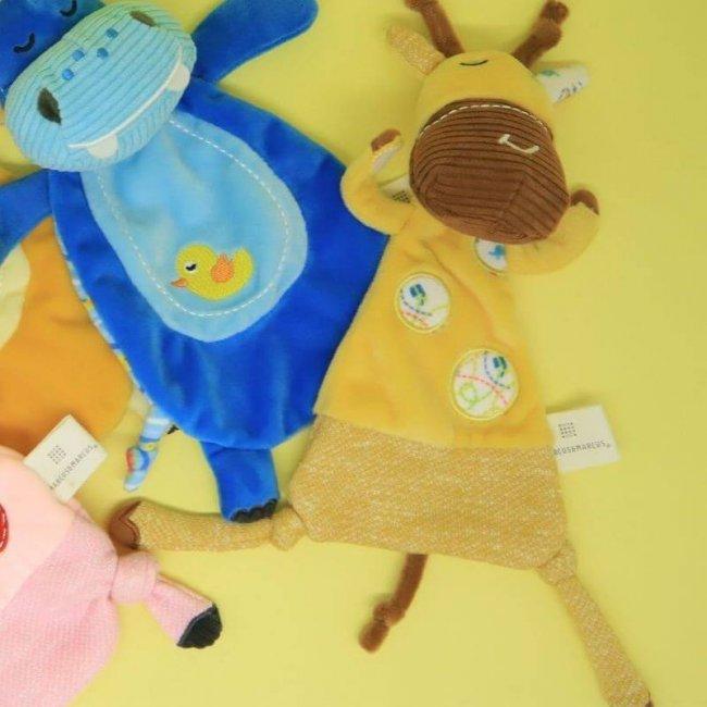 Βρεφικό Πανάκι παρηγοριάς αγκαλιάς με πιπίλα Ζωάκι Marcus & Marcus Καμηλοπάρδαλη Doudou comforter
