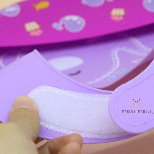 Σαλιάρα σιλικόνης Wide με Velcro λαιμού & χούφτα Γουρουνάκι Marcus & Marcus