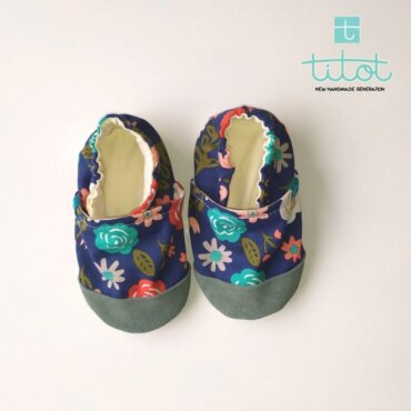 Βρεφικά Παπούτσια Αγκαλιάς Λουλουδάκια σε Μπλε baby run Χειροποίητα 18-24 Mηνών   TiTot Νο 22