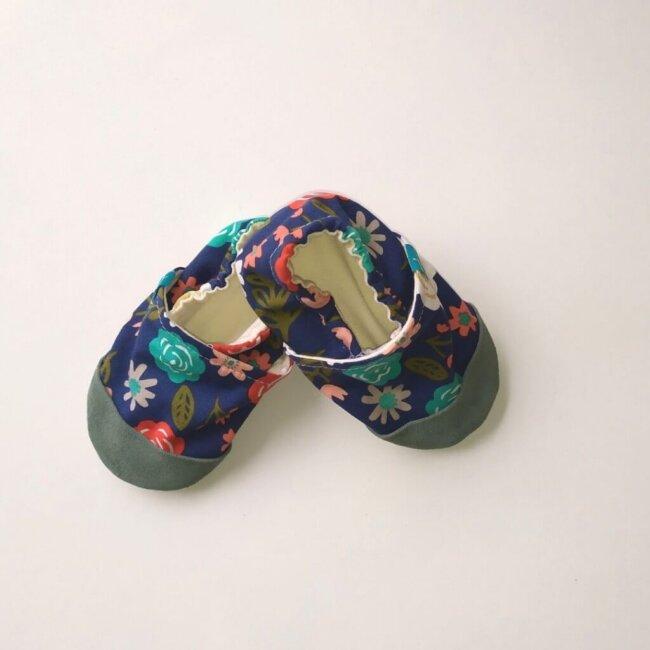 Βρεφικά Παπούτσια Αγκαλιάς Λουλουδάκια σε Μπλε baby run Χειροποίητα 18-24 Mηνών | TiTot Νο 22