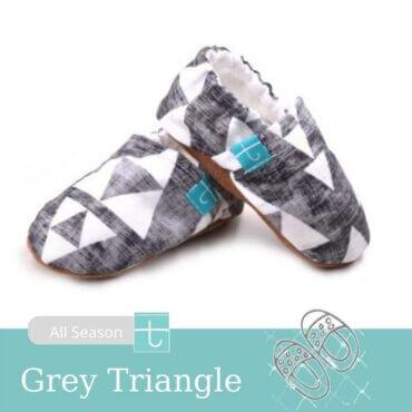 12-18-papoutsia-vrefika-voltas-crawl-xeiropoihta-titot-grey-triangles